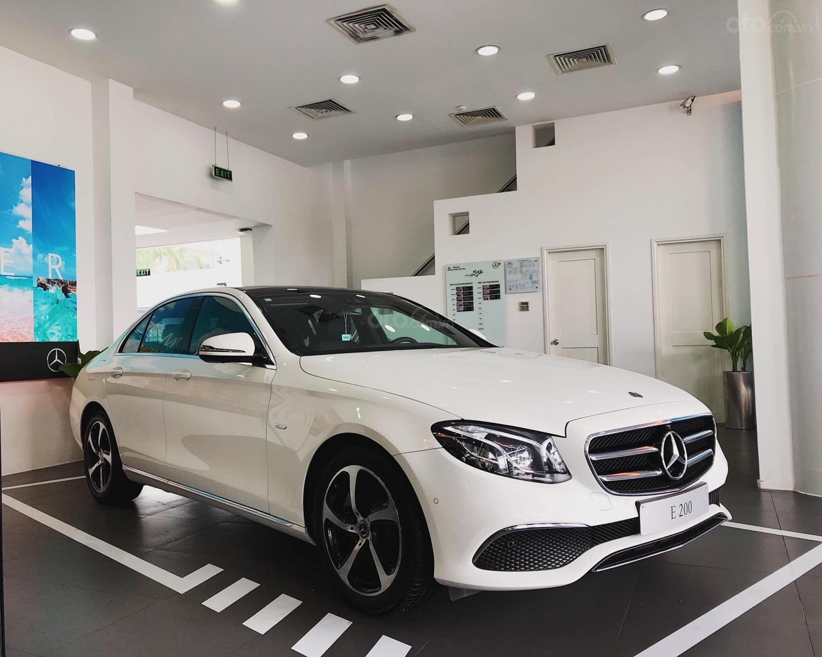 Giá xe Mercedes E200 Sport 2019, thông số, giá lăn bánh, khuyến mãi (12/2019), xe có sẵn giao ngay (9)