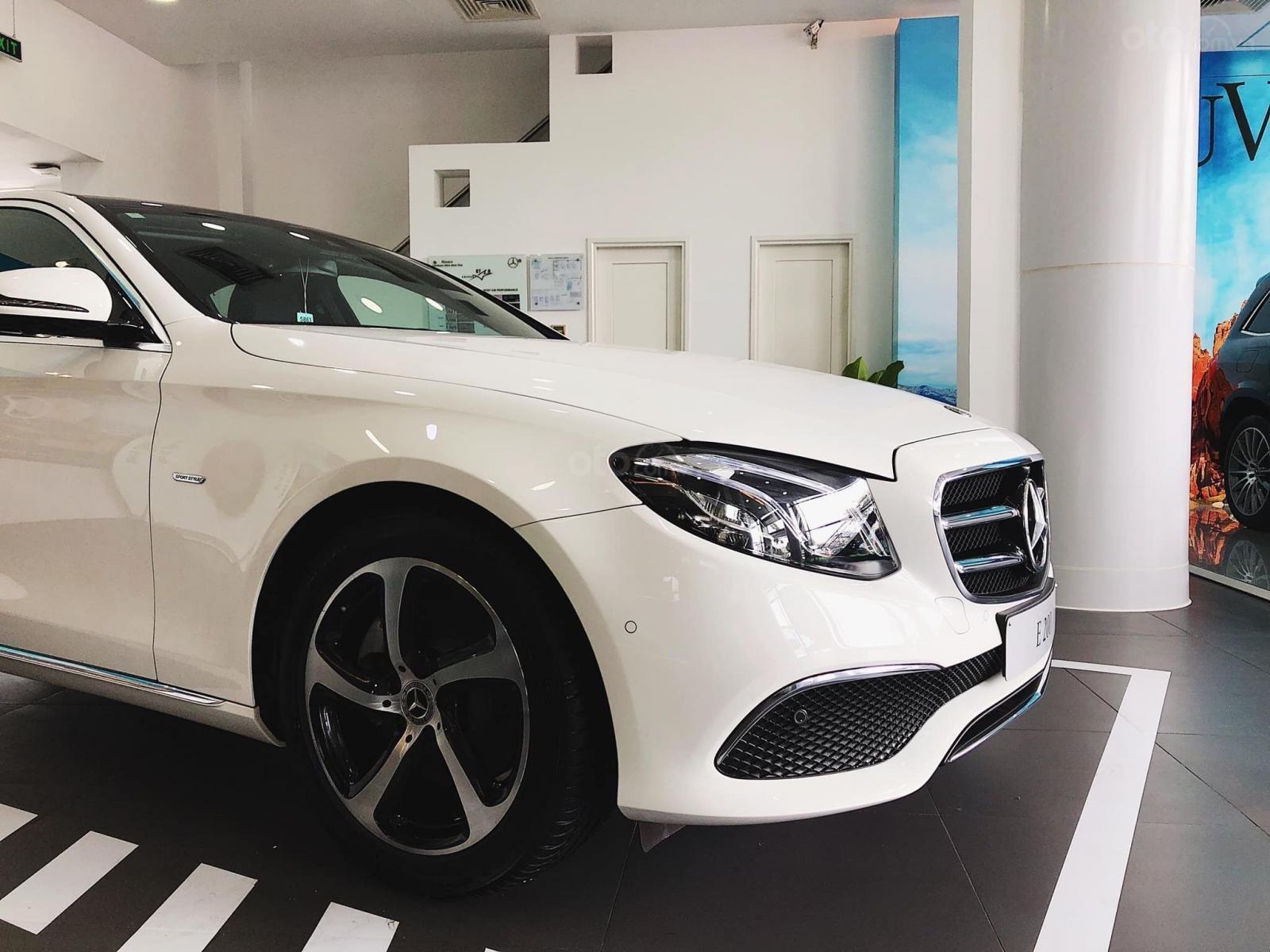 Giá xe Mercedes E200 Sport 2019, thông số, giá lăn bánh, khuyến mãi (12/2019), xe có sẵn giao ngay (11)