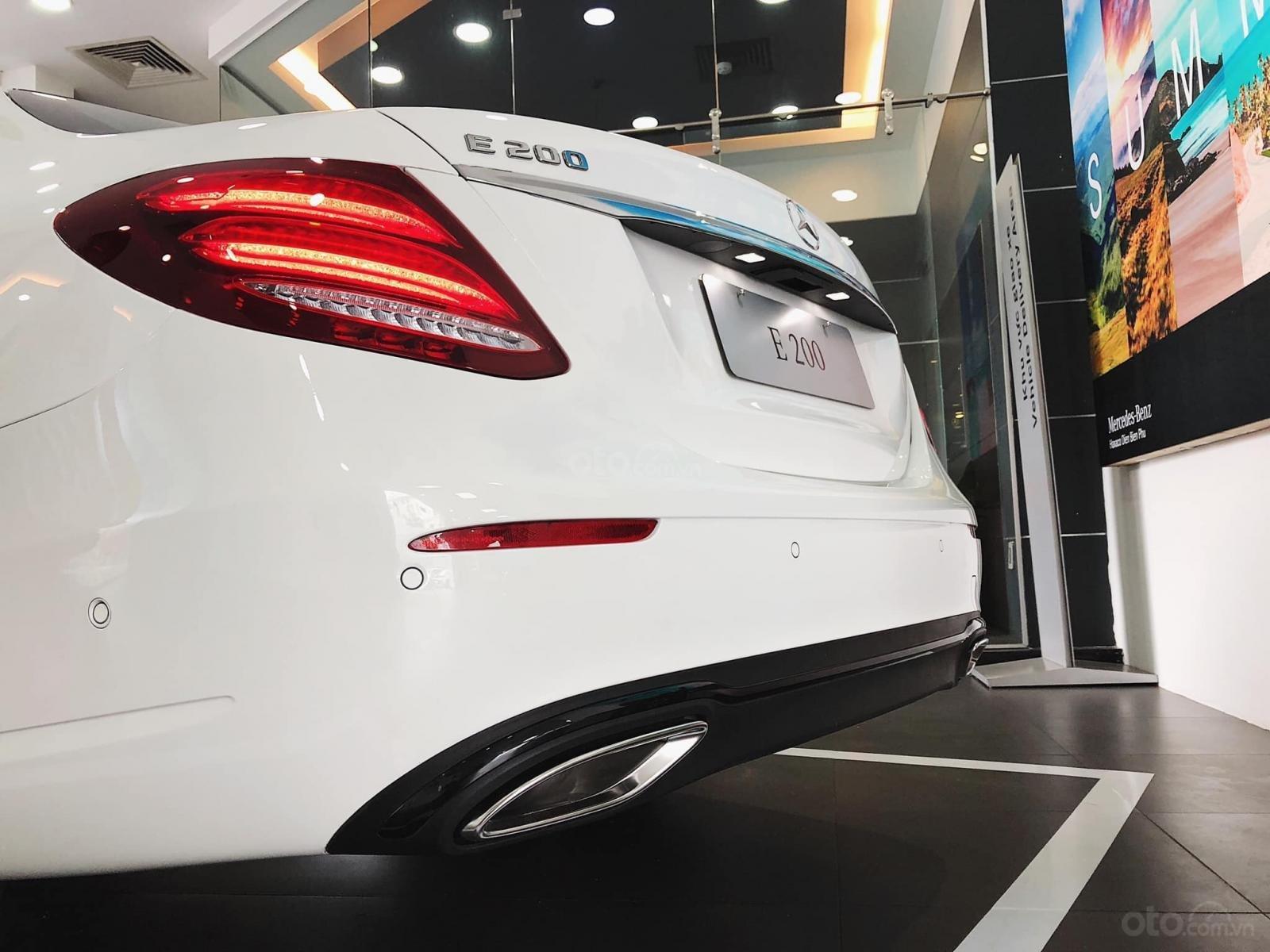 Giá xe Mercedes E200 Sport 2019, thông số, giá lăn bánh, khuyến mãi (12/2019), xe có sẵn giao ngay (12)