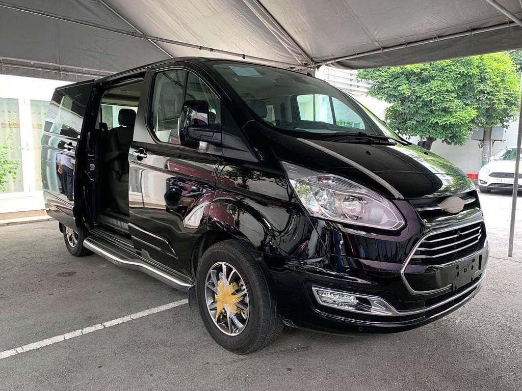Khách Việt bắt đầu đặt cọc Ford Tourneo 2019 với giá từ 1 tỷ đồng a1