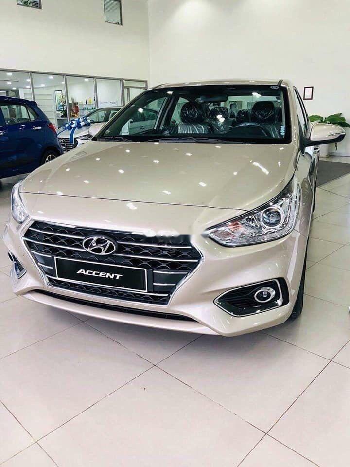 Bán xe Hyundai Accent đời 2019, màu vàng, giá 420tr (1)