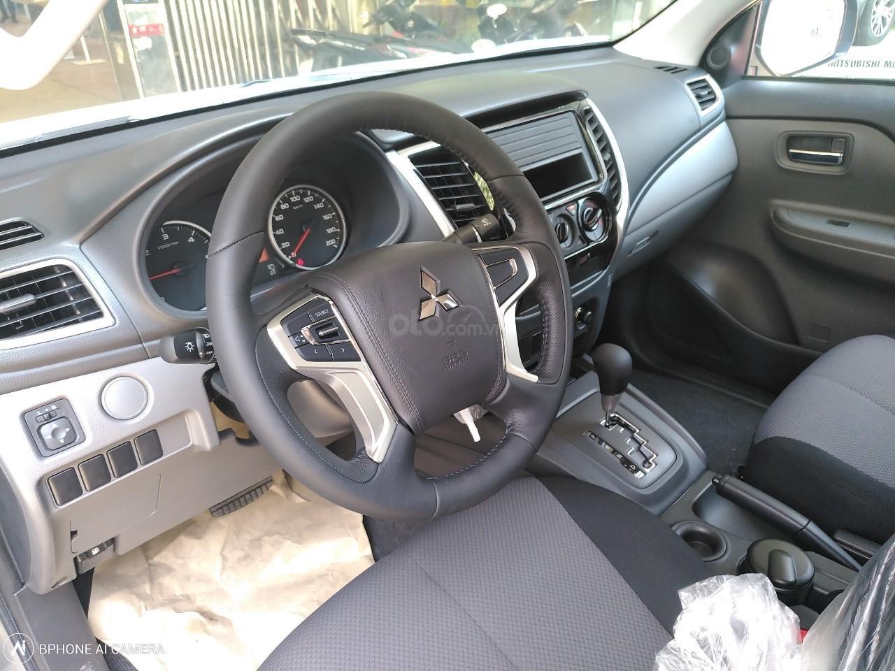 Cần bán Mitsubishi Triton 4x2 AT đời 2019, màu nâu, giá 585tr, LH 0934515226 để được nhận ưu đãi lớn (5)