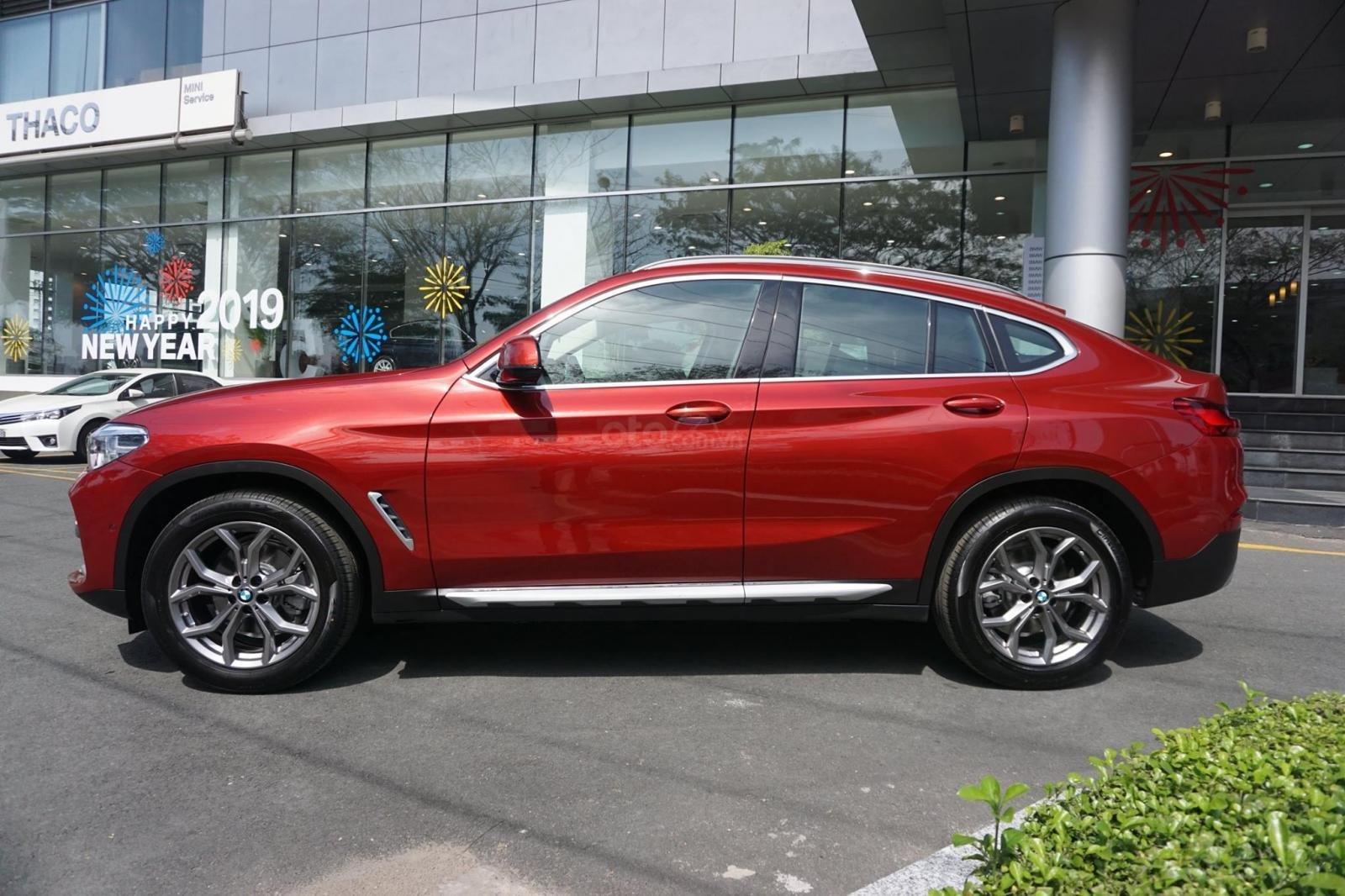 Xe BMW x4 xDrive20i - Nhập khẩu Đức mới 100% (2)