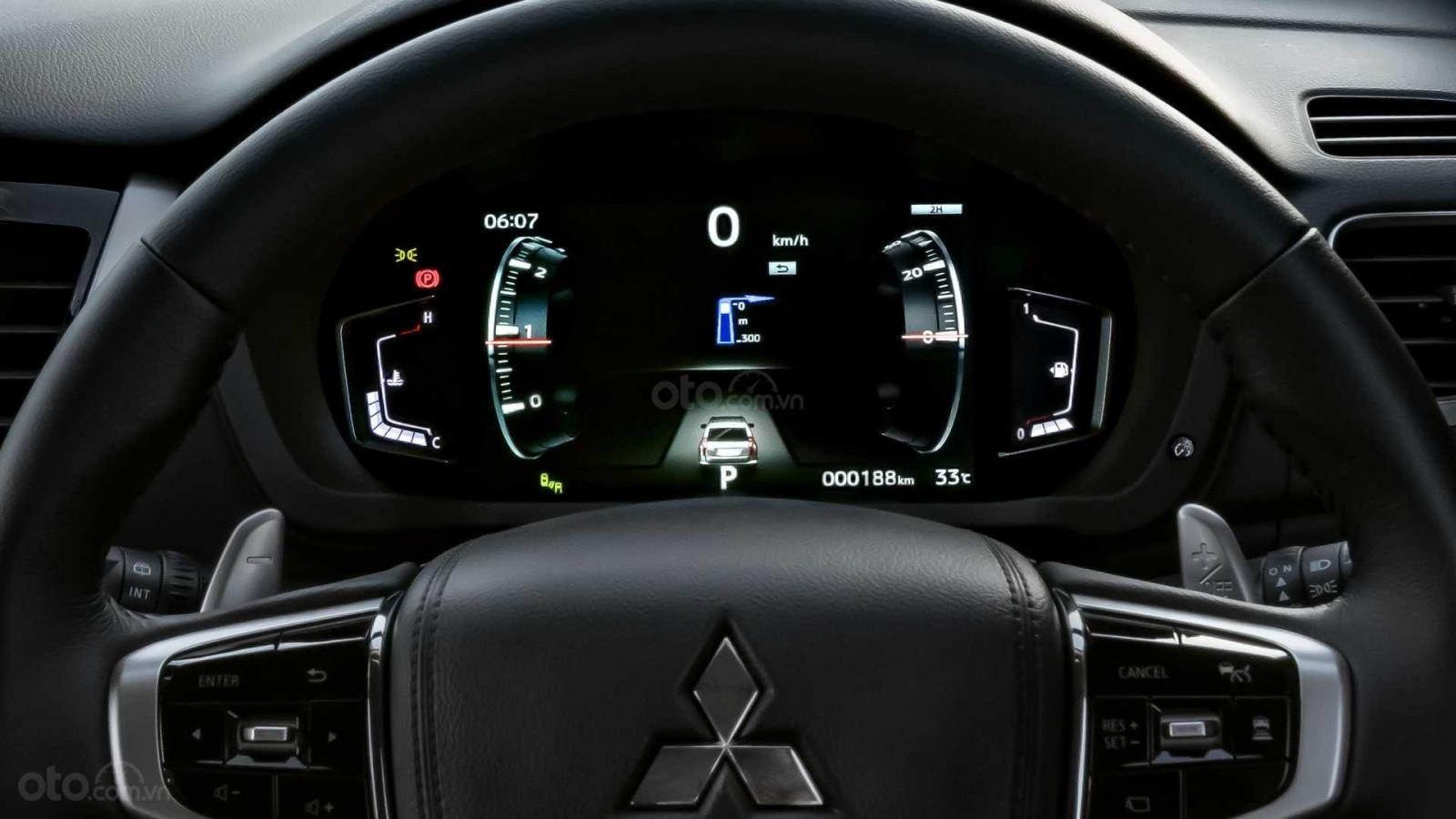 Nhìn nhanh điểm mới của Mitsubishi Pajero Sport 2020 so với bản cũ qua ảnh a23