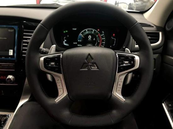Nhìn nhanh điểm mới của Mitsubishi Pajero Sport 2020 so với bản cũ qua ảnh a21