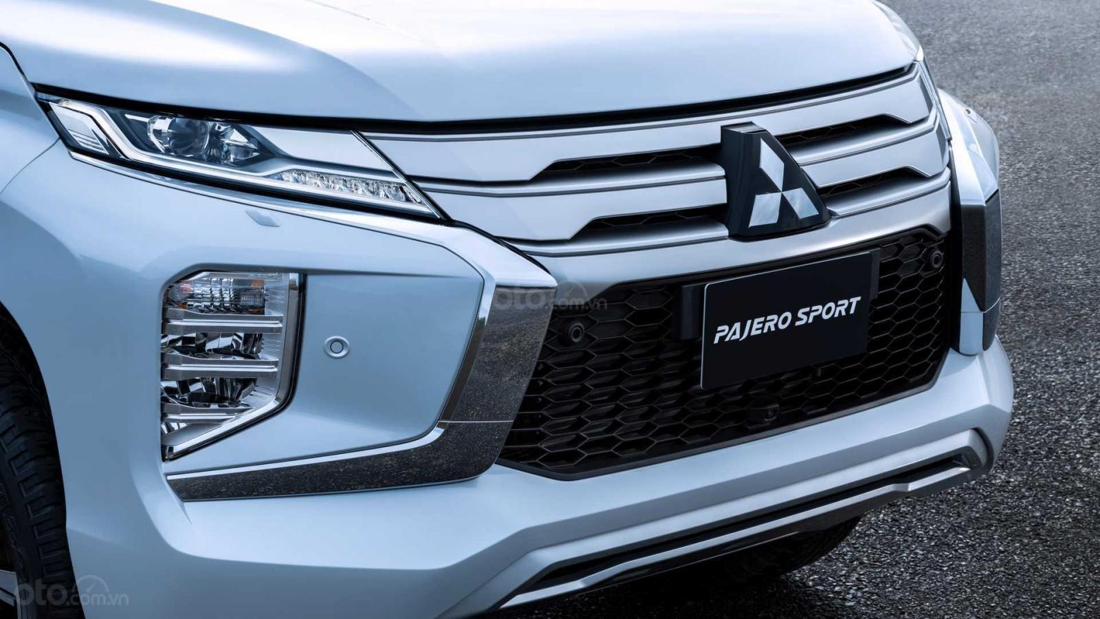 Nhìn nhanh điểm mới của Mitsubishi Pajero Sport 2020 so với bản cũ qua ảnh a3