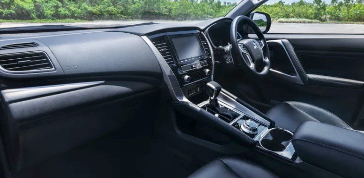 Mitsubishi Pajero Sport 2020 ra mắt diện mạo giống Xpander a3