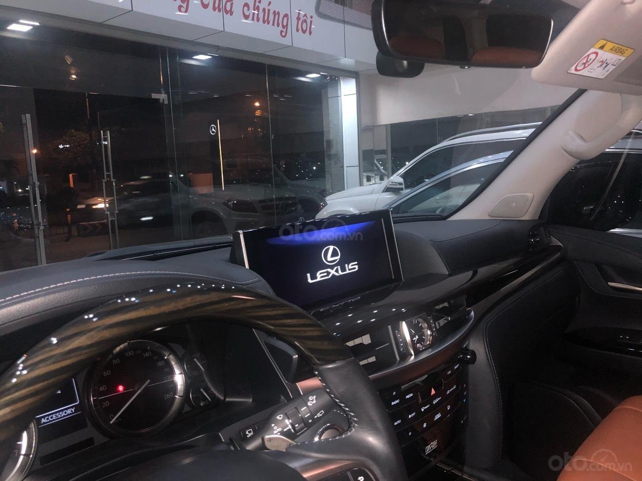 Bán Lexus LX570 đời 2018, màu bạc, nhập khẩu (8)