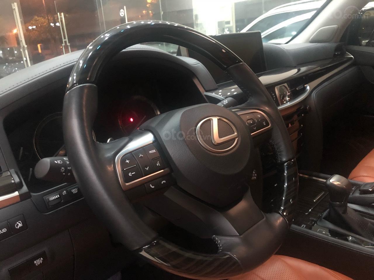 Bán Lexus LX570 đời 2018, màu bạc, nhập khẩu (7)