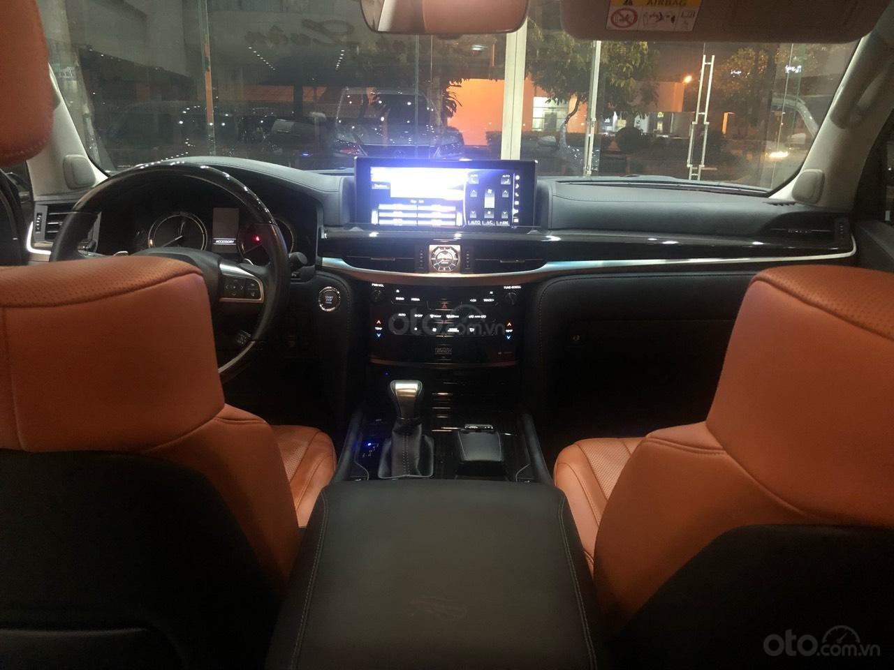 Bán Lexus LX570 đời 2018, màu bạc, nhập khẩu (10)