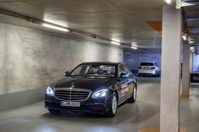 Xe Mercedes-Benz sắp có thêm hệ thống bãi đỗ xe tự động a6