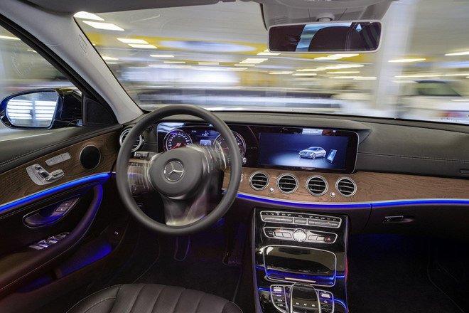Xe Mercedes-Benz sắp có thêm hệ thống bãi đỗ xe tự động a4