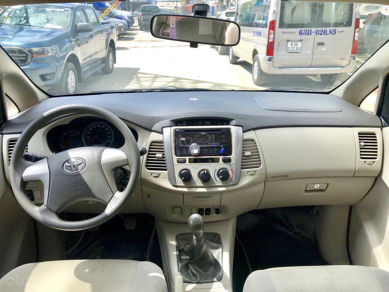 Toyota Innova 2.0E MT 2015 xe bán tại hãng Western Ford có bảo hành-10