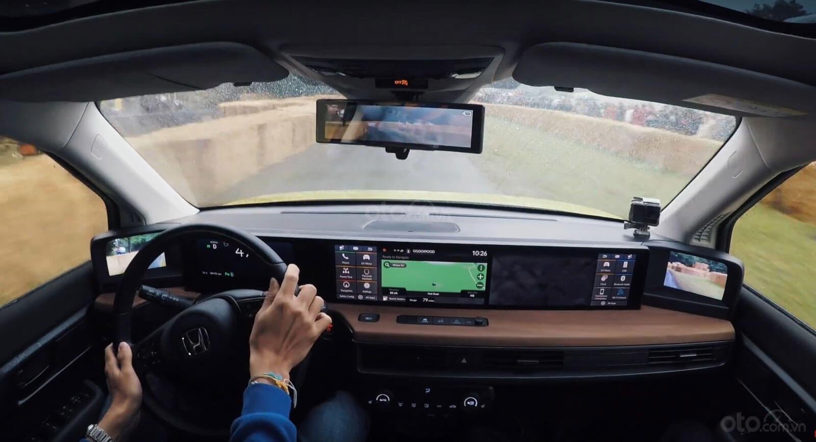 """Honda E trang bị màn hình kỹ thuật số """"toàn góc nhìn"""""""