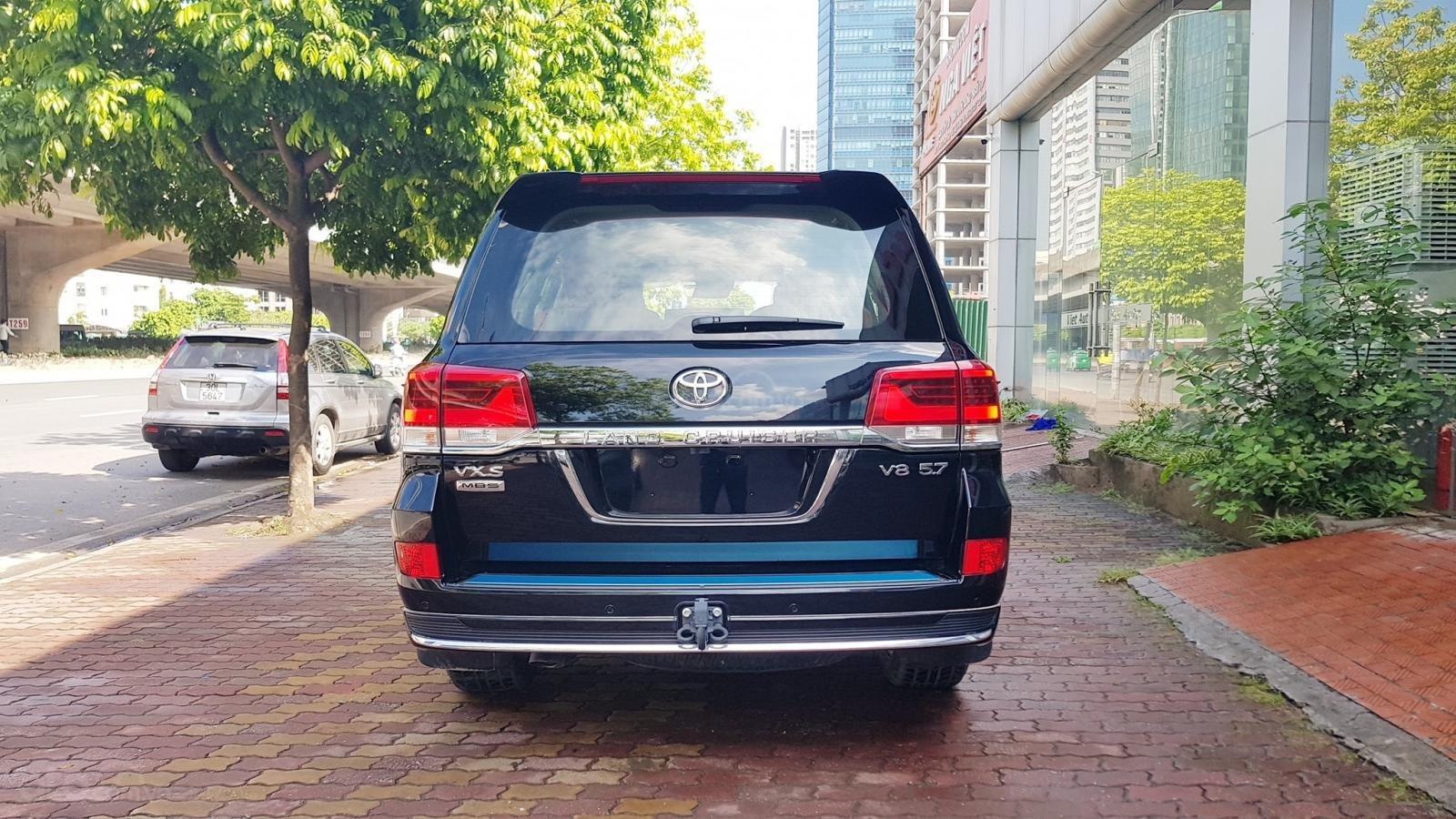 Cần bán Toyota Land Cruiser VXS 4 chỗ sản xuất 2019, màu đen, mới 100% (17)