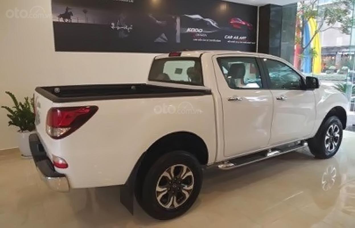 Bán ô tô Mazda BT 50 2.2L 4x2 AT 2019, màu trắng, nhập khẩu nguyên chiếc, xe mới-0