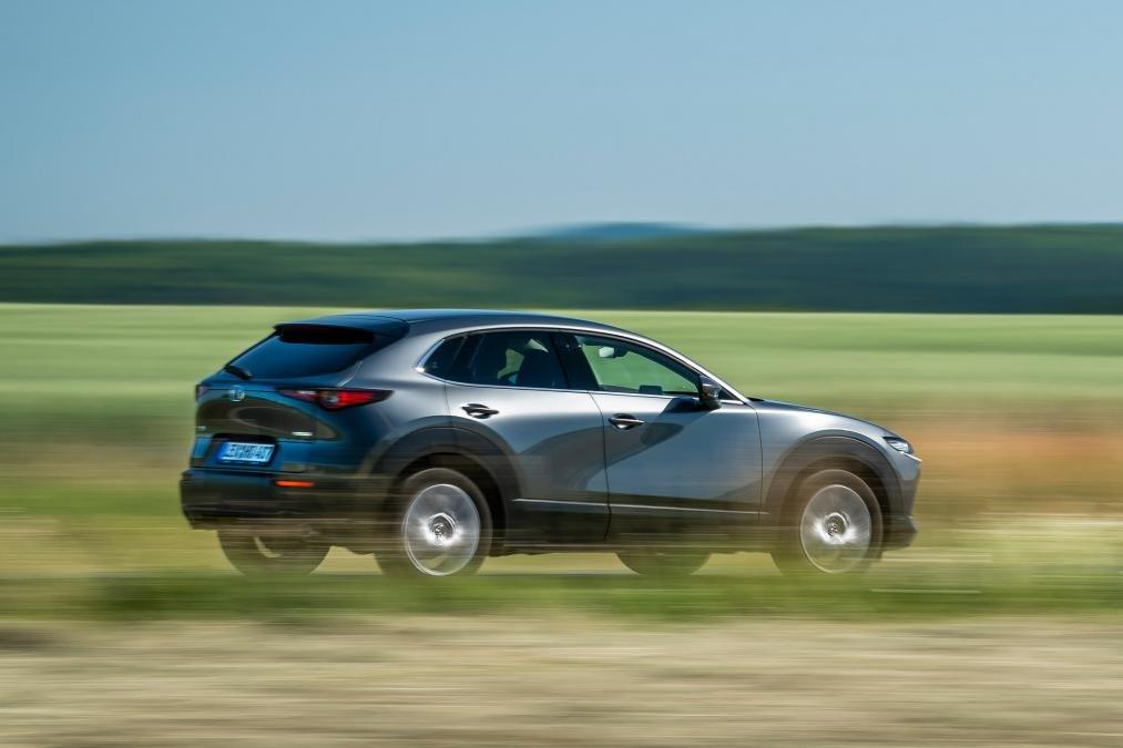 Đánh giá xe Mazda CX-30 2020 về trang bị an toàn.