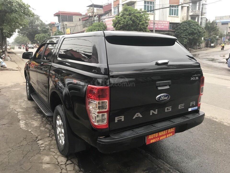 Bán xe Ford Ranger XLS số tự động đời 2016, màu đen, nhập khẩu nguyên chiếc (5)