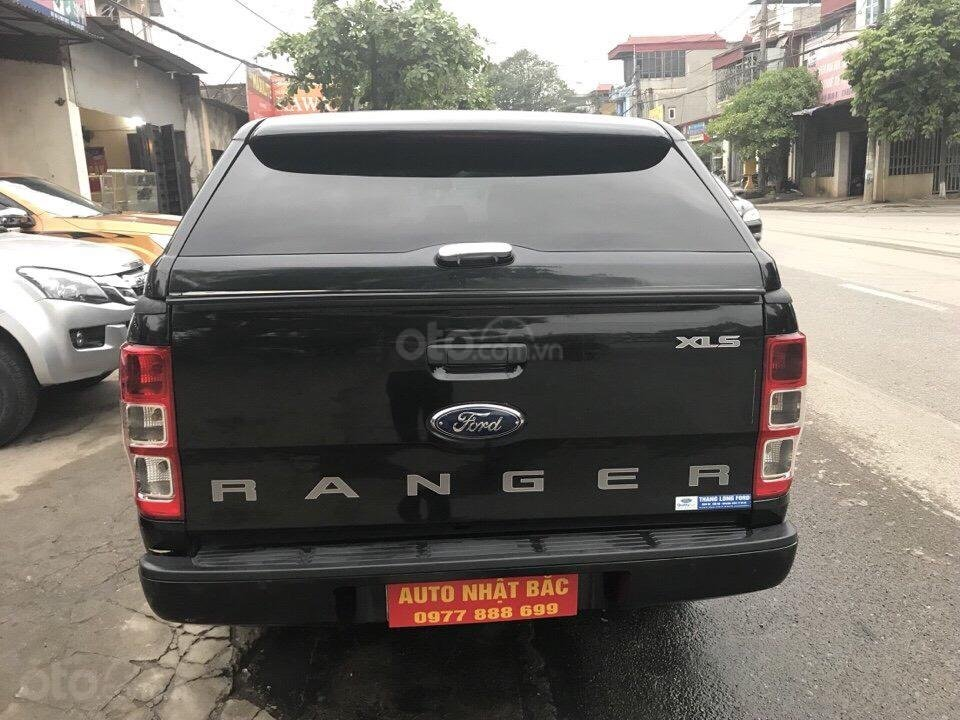 Bán xe Ford Ranger XLS số tự động đời 2016, màu đen, nhập khẩu nguyên chiếc (6)