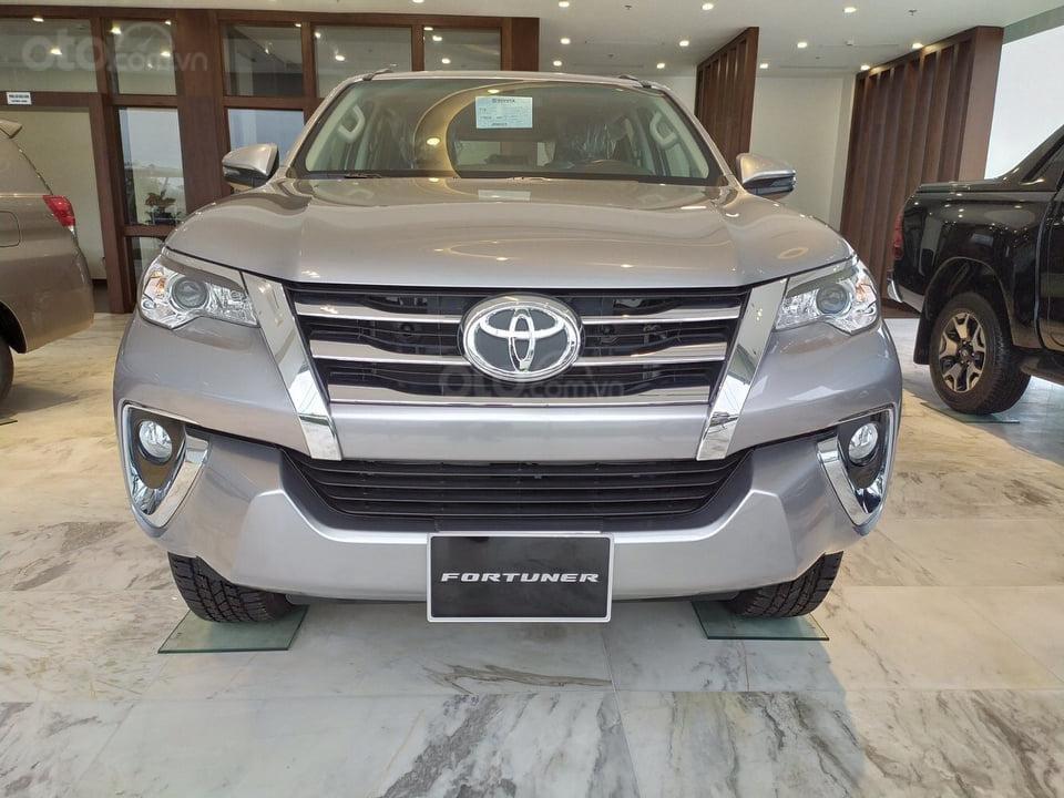 """""""Tháng 9 không lợi nhuận"""" Xe Toyota Fortuner giảm kịch sàn đến 80tr, LH 0941115585 (1)"""