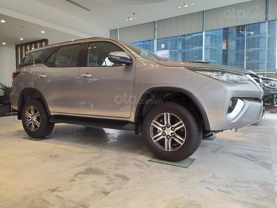 """""""Tháng 9 không lợi nhuận"""" Xe Toyota Fortuner giảm kịch sàn đến 80tr, LH 0941115585 (3)"""
