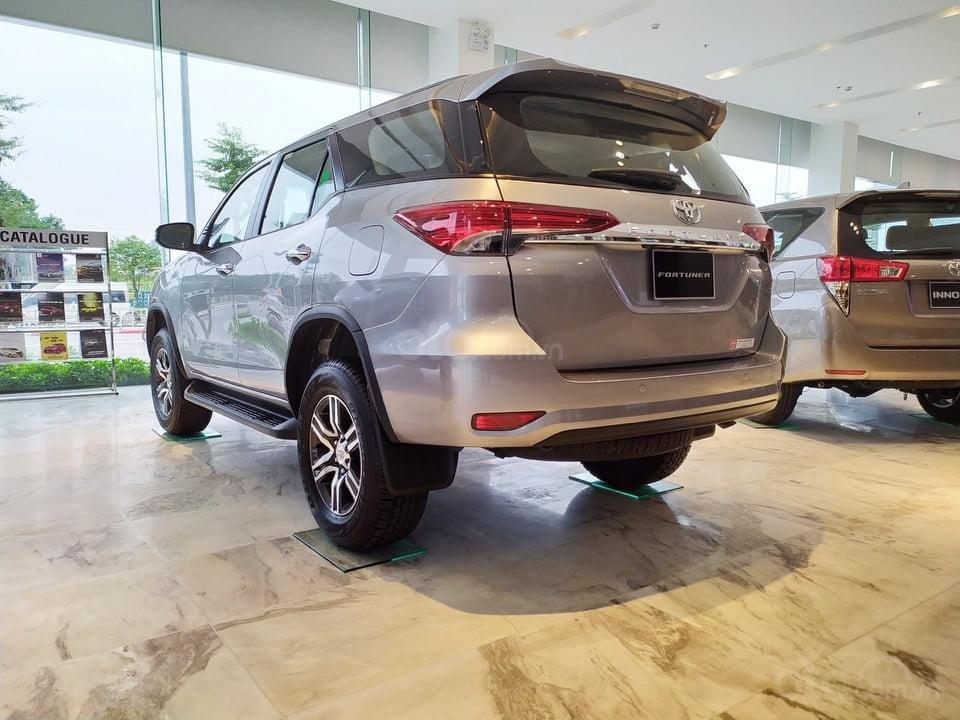 """""""Tháng 9 không lợi nhuận"""" Xe Toyota Fortuner giảm kịch sàn đến 80tr, LH 0941115585 (5)"""