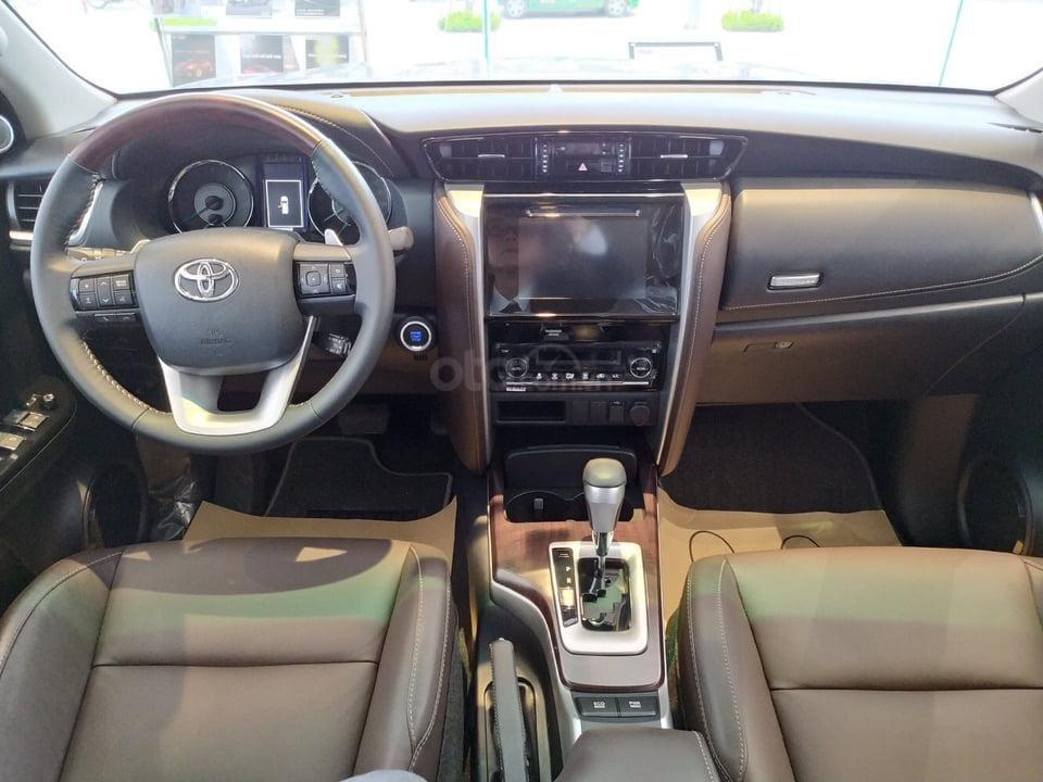 """""""Tháng 9 không lợi nhuận"""" Xe Toyota Fortuner giảm kịch sàn đến 80tr, LH 0941115585 (6)"""