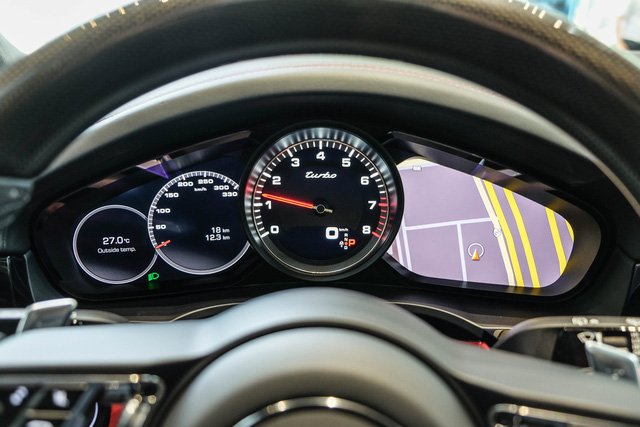 """Porsche Cayenne Turbo thế hệ mới đầu tiên về nước giá 10 tỷ đồng kèm nhiều """"đồ chơi"""" khủng a14"""