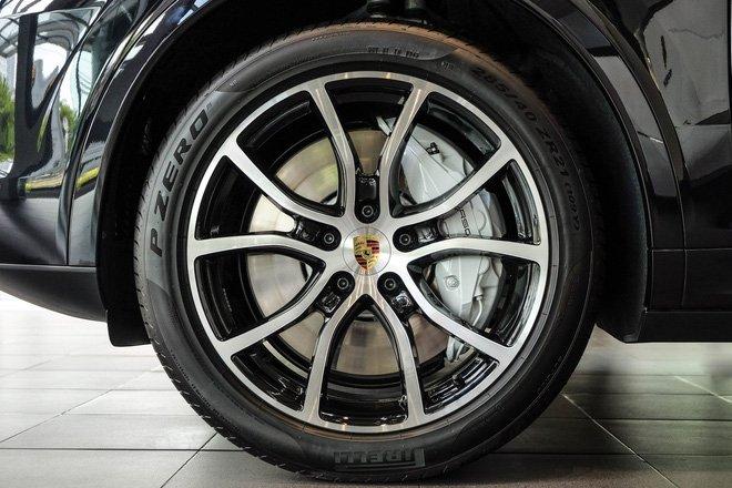 """Porsche Cayenne Turbo thế hệ mới đầu tiên về nước giá 10 tỷ đồng kèm nhiều """"đồ chơi"""" khủng a9"""