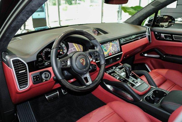 """Porsche Cayenne Turbo thế hệ mới đầu tiên về nước giá 10 tỷ đồng kèm nhiều """"đồ chơi"""" khủng a3"""