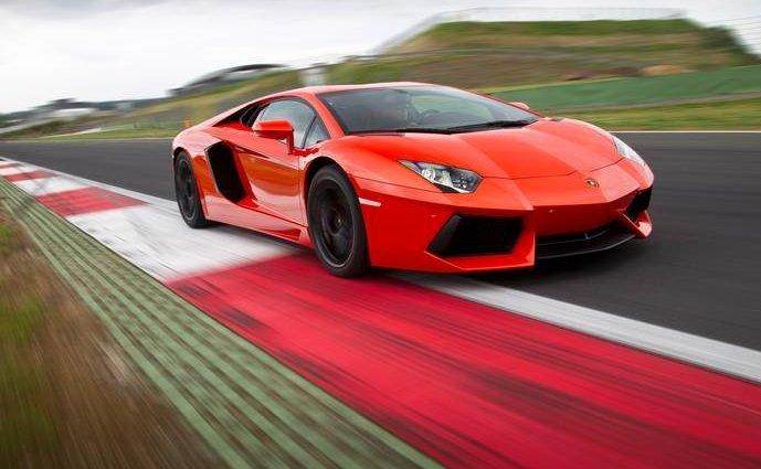 Lamborghini Aventador - 1 trong các dòng xe Lamborghini nổi bật nhất.