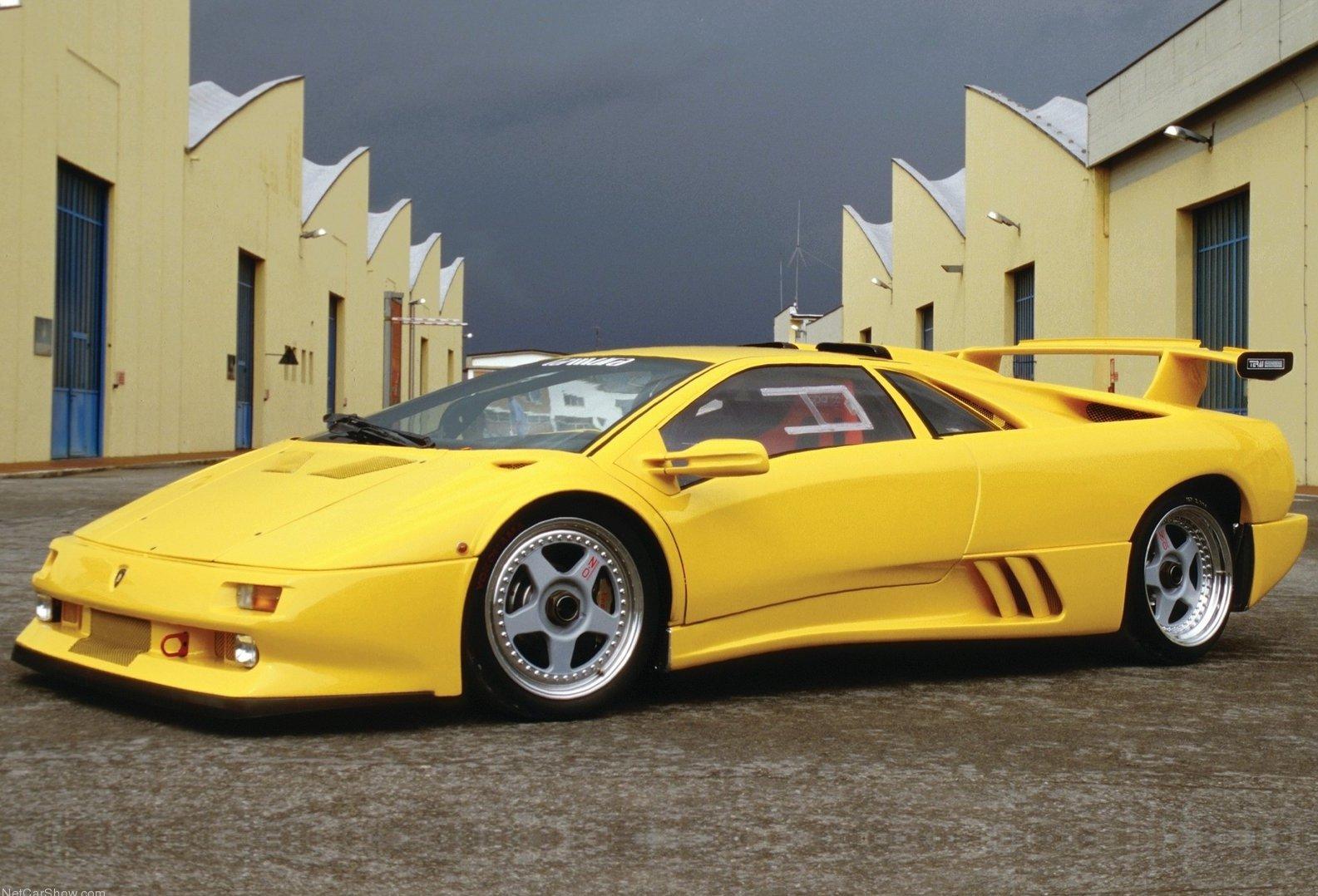 Lamborghini Diablo - 1 trong các dòng xe Lamborghini nổi bật nhất.
