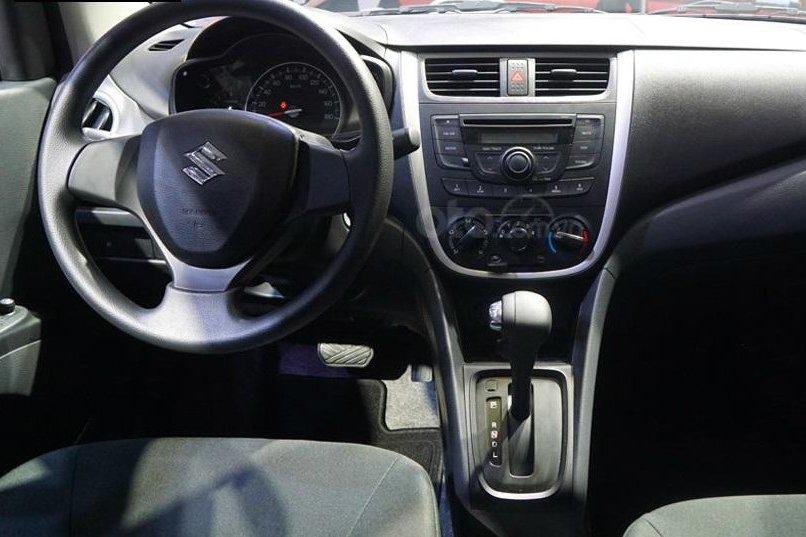 So sánh xe VinFast Fadil 2019 và Suzuki Celerio 2018 về nội thất - Ảnh 1.