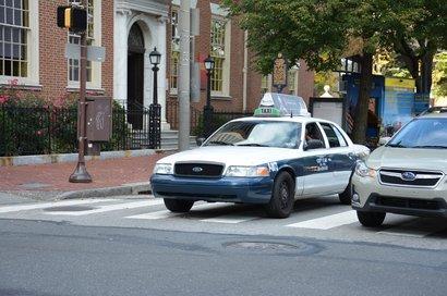 Trang phục tài xế taxi ở Ohio.
