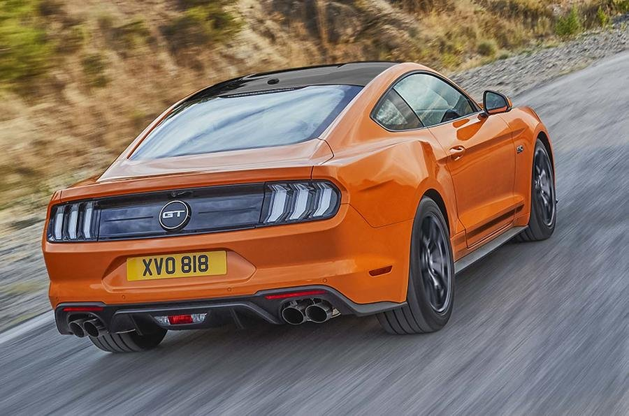 Ford Mustang ra mắt phiên bản đặc biệt đánh dấu 55 tuổi.