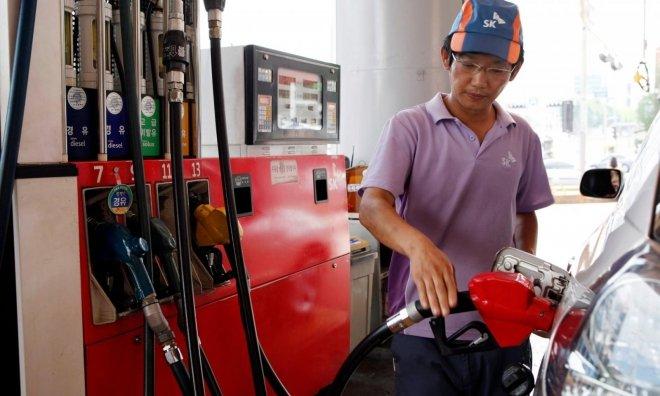 Các trạm xăng ở Hàn không phục vụ khách lái xe Nhật