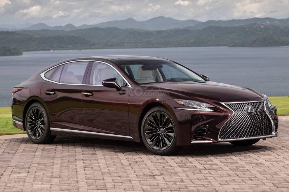 Lexus LS 500 Executive bổ sung trang bị tiêu chuẩn tại Malaysia