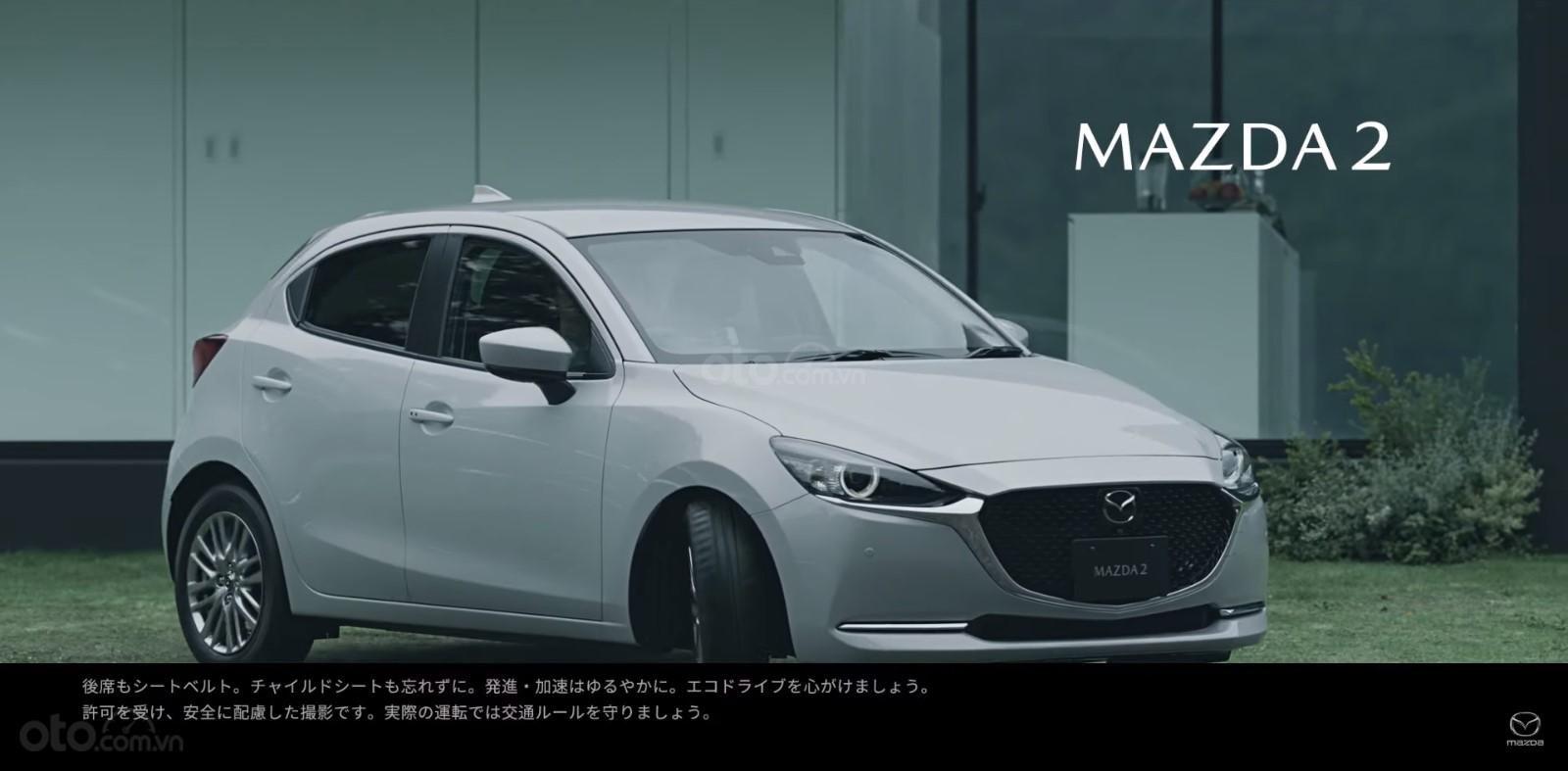 Lộ video Mazda 2 nâng cấp, cải tiến đáng kể ngoại hình a1