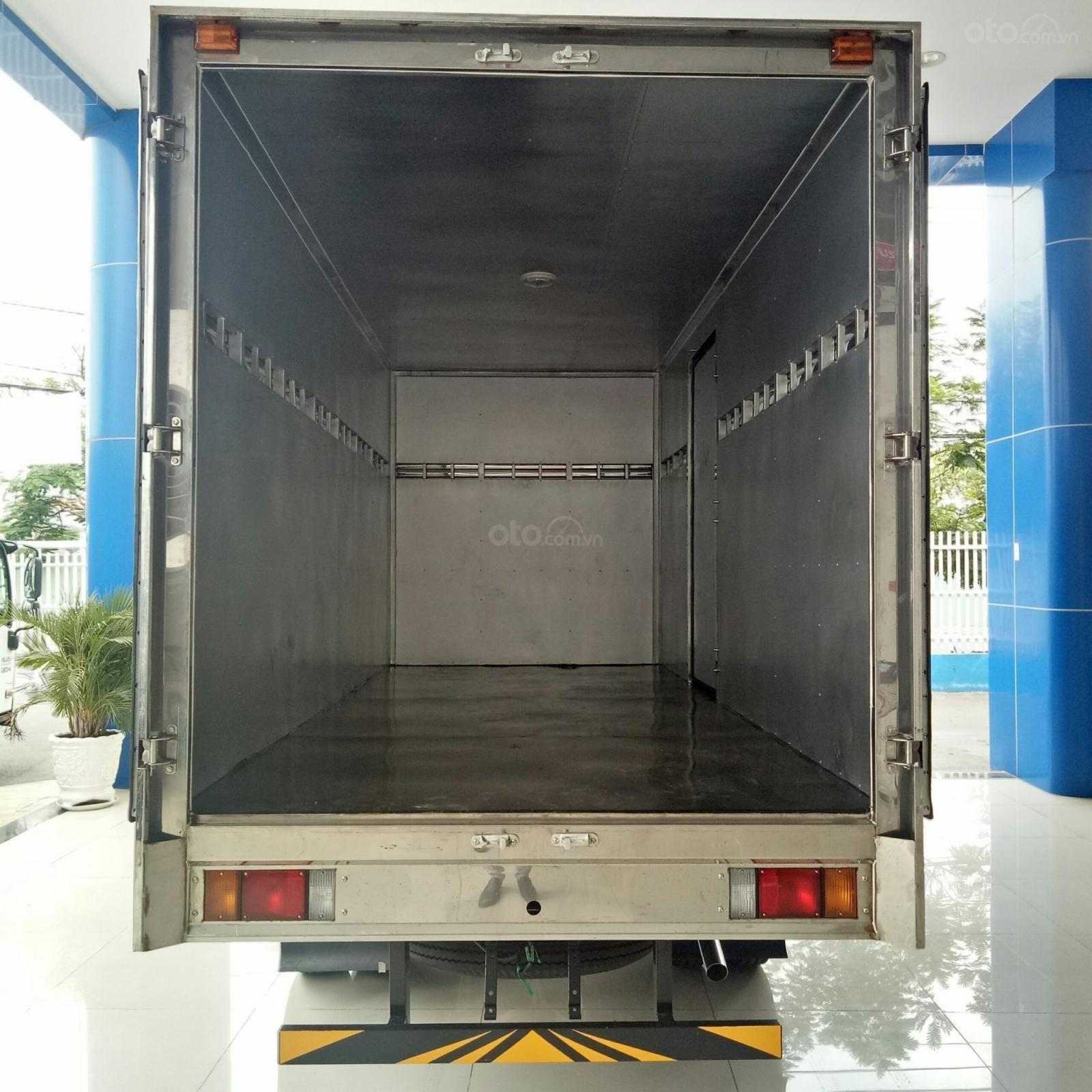 Bán xe tải Isuzu 2.4 tấn thùng kín dài 4m4, có xe giao ngay, hỗ trợ vay 90% lãi suất thấp (4)