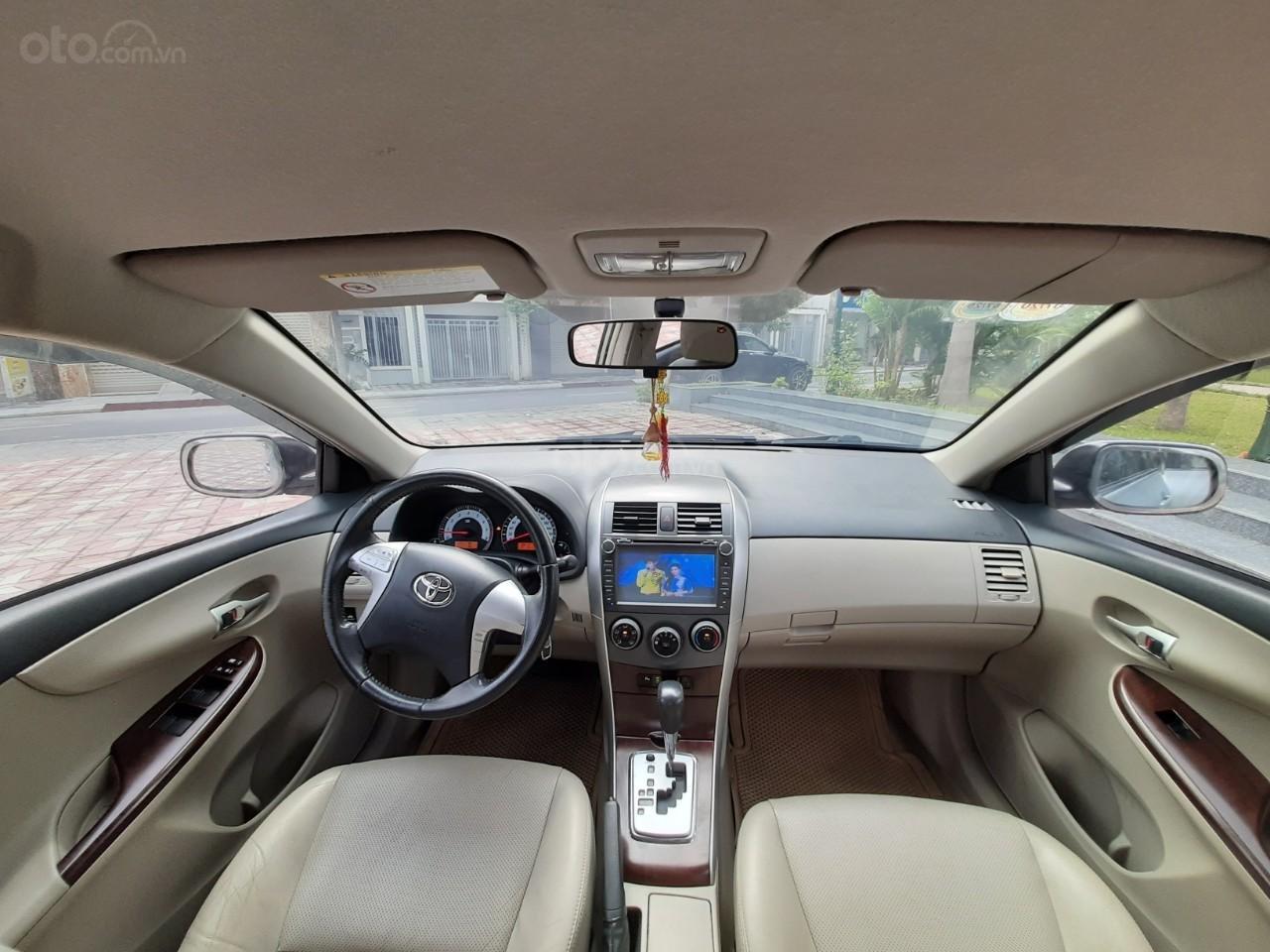 Cần bán xe Toyota Corolla altis 1.8AT 2012, màu bạc, giá tốt (3)
