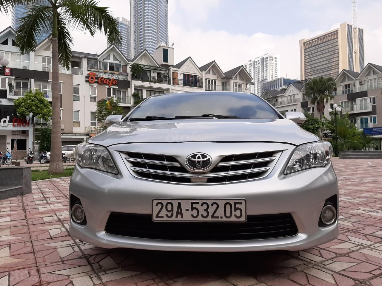 Cần bán xe Toyota Corolla altis 1.8AT 2012, màu bạc, giá tốt (7)