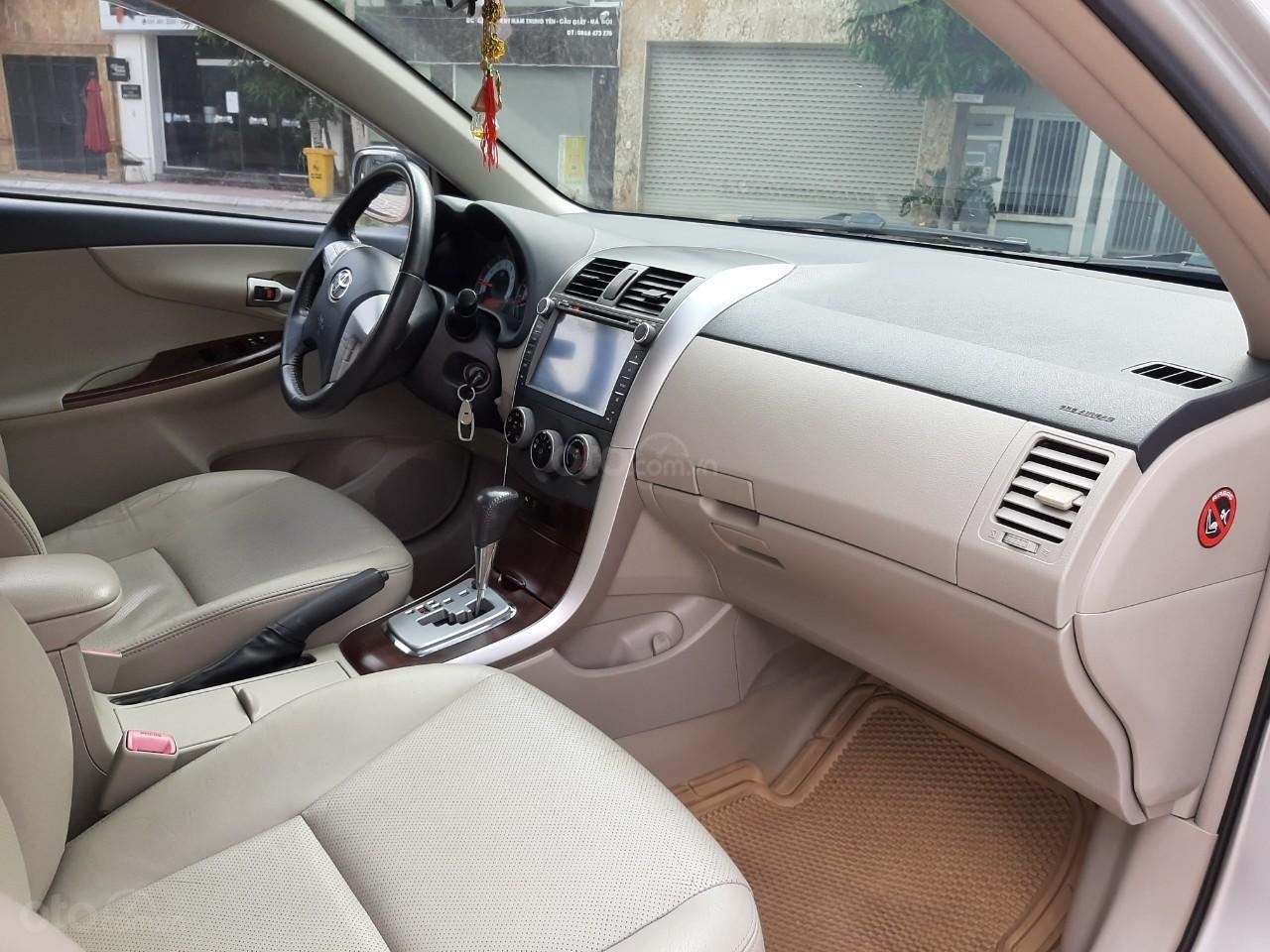 Cần bán xe Toyota Corolla altis 1.8AT 2012, màu bạc, giá tốt (8)