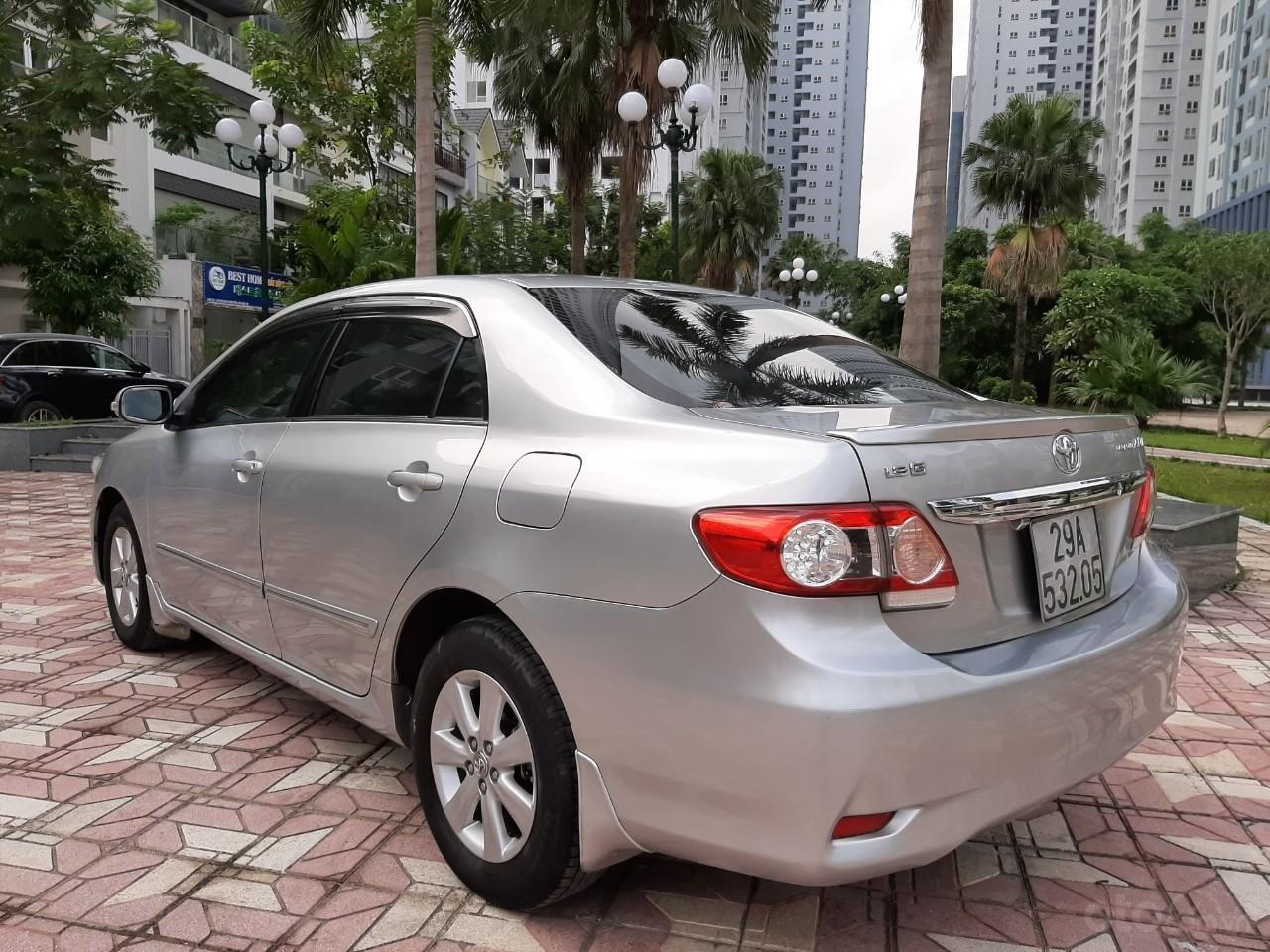 Cần bán xe Toyota Corolla altis 1.8AT 2012, màu bạc, giá tốt (9)