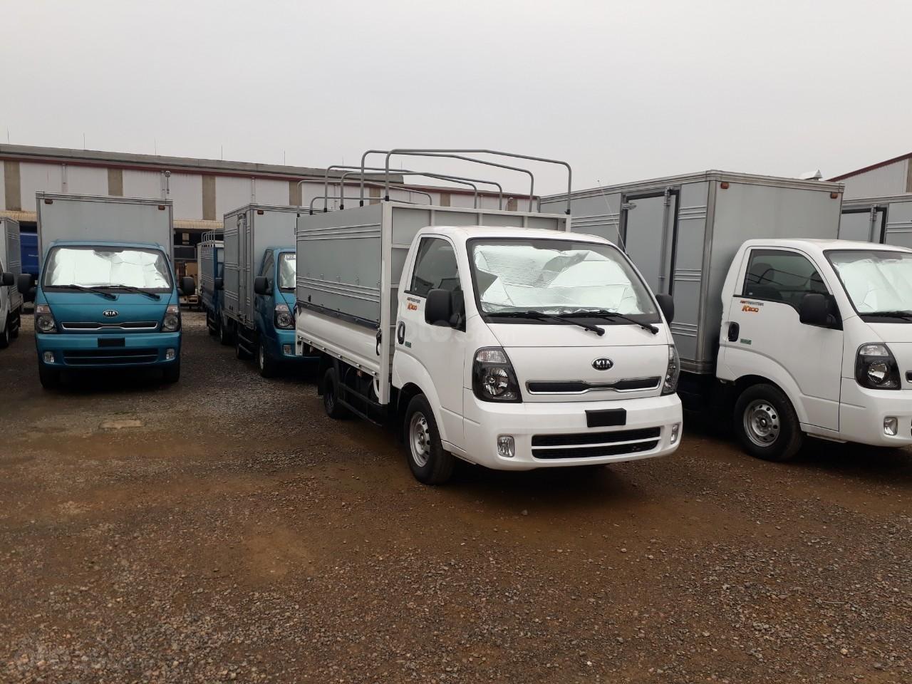 Giá xe tải Thaco Ollin 350. E4 tải trọng 2.15/3,49 tấn, LH: 098.253.6148-2
