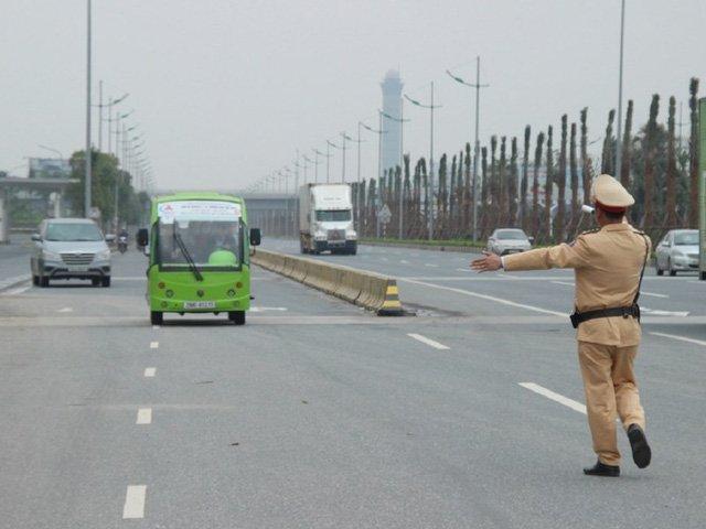 Cảnh sát giao thông có được yêu cầu dừng xe trên cao tốc? 1a