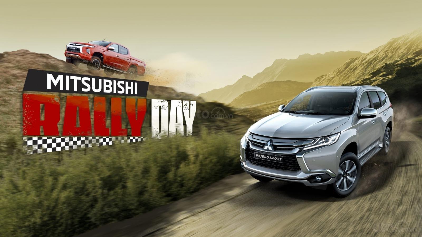 """Mitsubishi Motors Việt Nam giới thiệu chương trình """"Mitsubishi Rally Day"""" cùng 2 mẫu xe Pajero và Triton."""