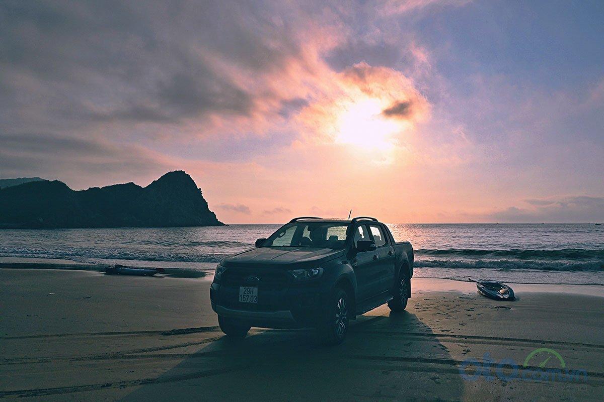 hầu hết chuyến đi đều bám sát bờ biển, vừa đi vừa tìm đường, vất vả chút nhưng rất nhiều bất ngờ và thú vị.