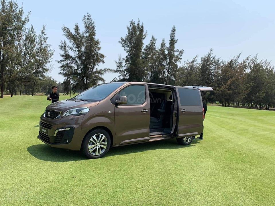 Bán Peugeot Traveller 2019 đủ màu, giao xe nhanh - giá tốt nhất - 0938 630 866 - 0933 805 806 để hưởng ưu đãi (1)