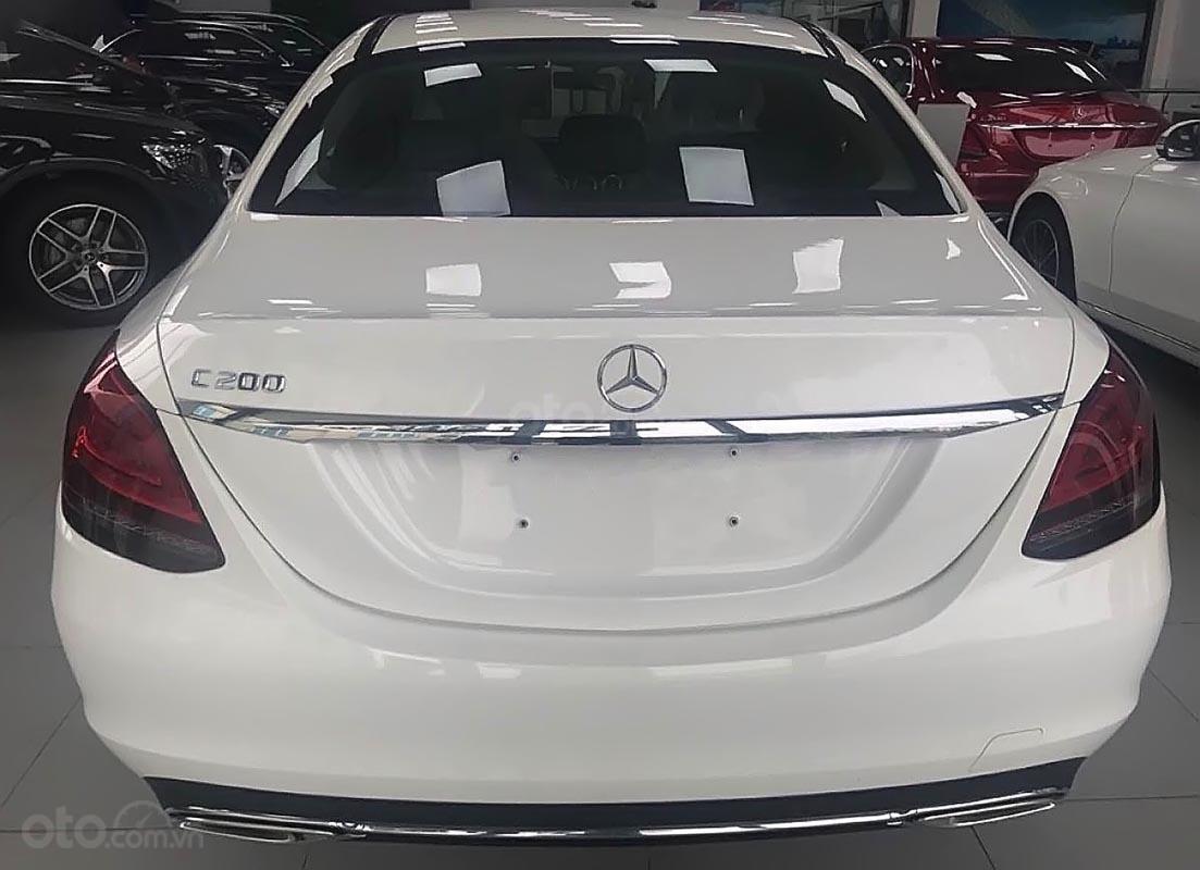 Bán xe Mercedes C200 đời 2019, màu trắng (2)