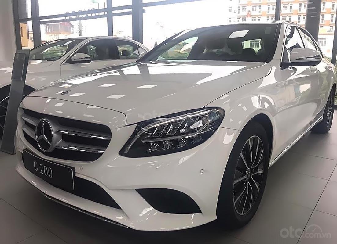 Bán xe Mercedes C200 đời 2019, màu trắng (1)
